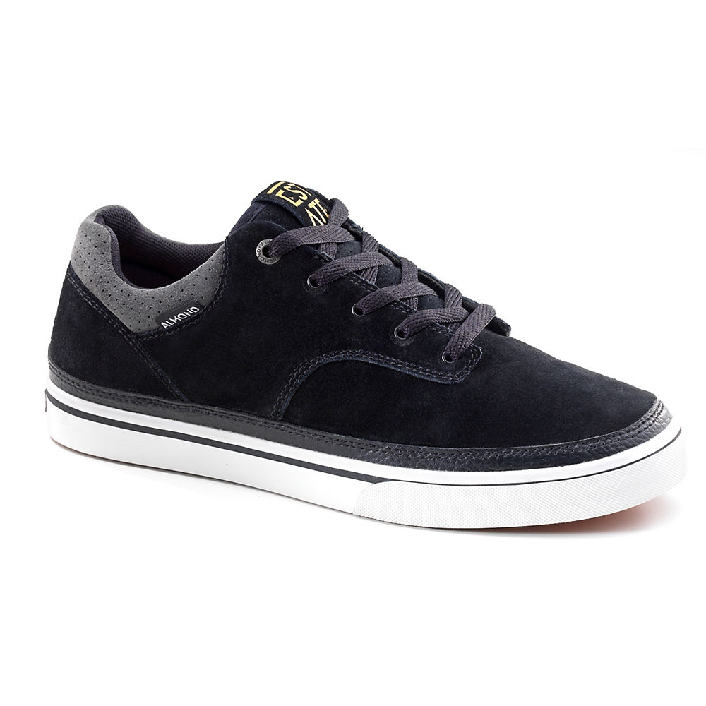 almond-estate-low-shoes