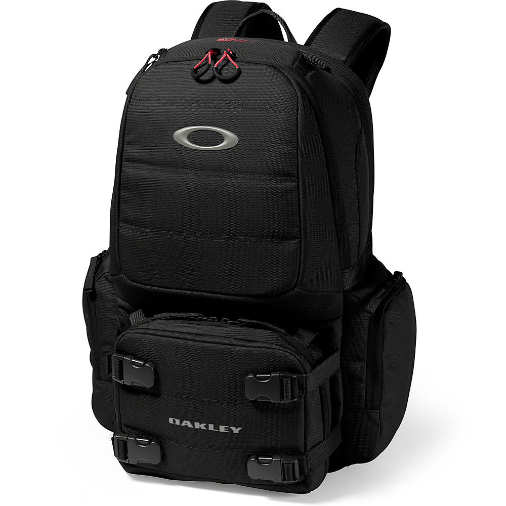 oakley-chamber-range-backpack