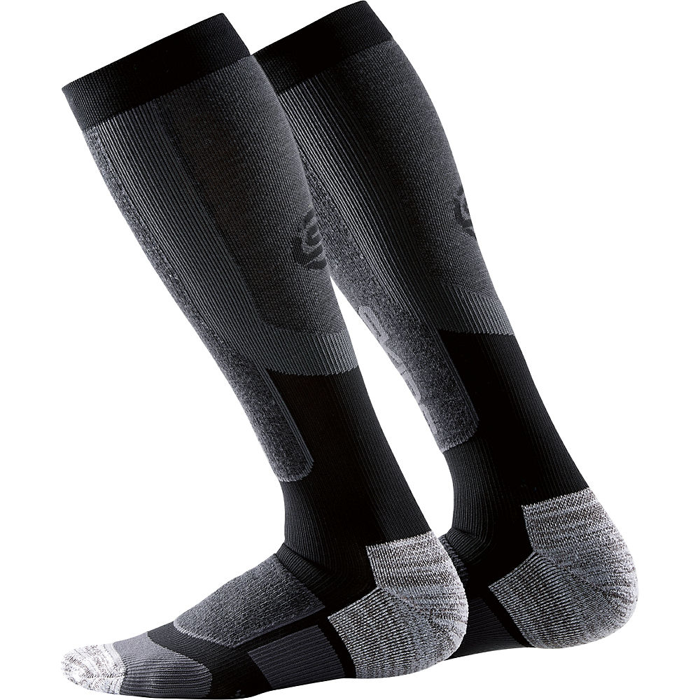 skins-thermal-active-compression-socks-aw17