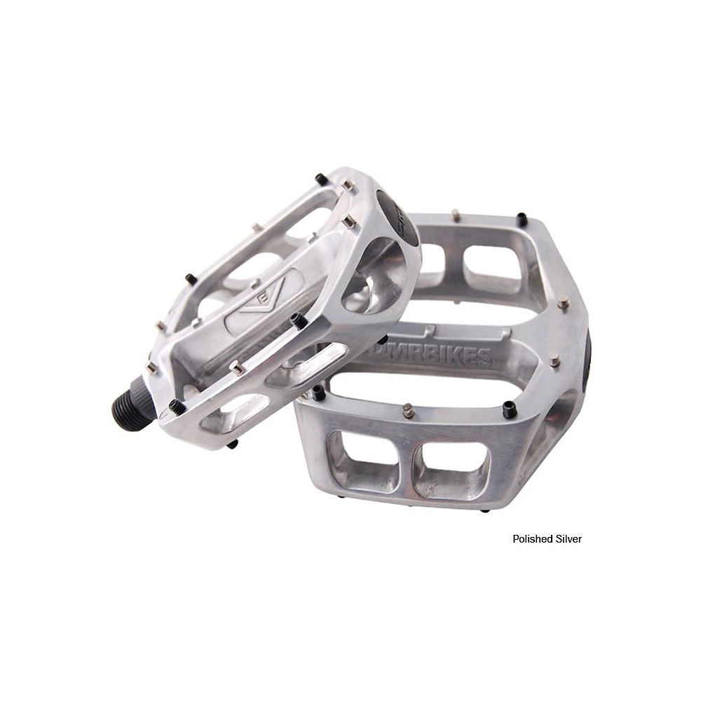 Pedales planos con puerto para grasa DMR V8