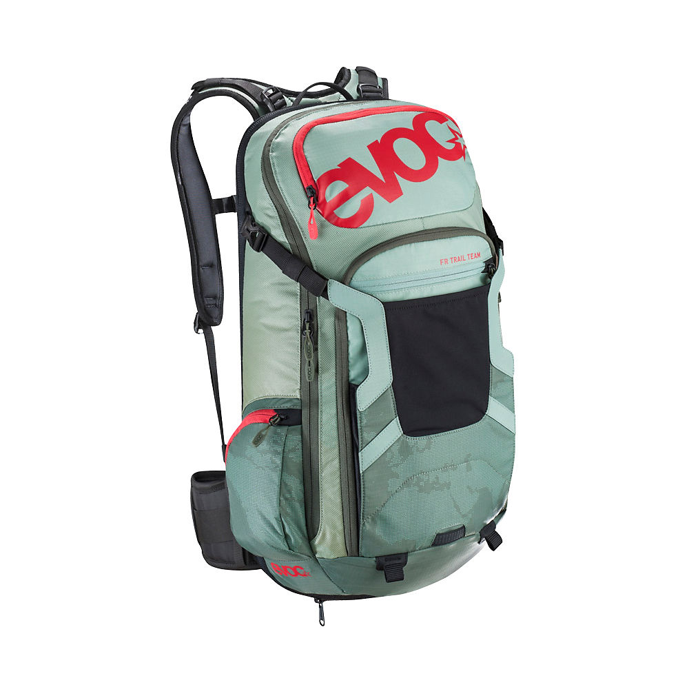 evoc-trail-team-20l-backpack