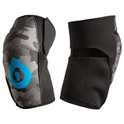 661 Comp AM Youth Knee Guards 2014