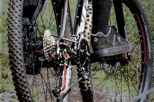 Full Suspension Bikes · Hardtail Bikes · Tyres · Cassettes ... 84e28f43f