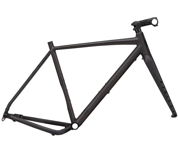 https://media.chainreactioncycles.com/is/image/ChainReactionCycles/prod165977_Black_NE_01?wid=586&hei=498